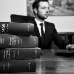 Rechtsanwalt Schöngrundner bei der Arbeit
